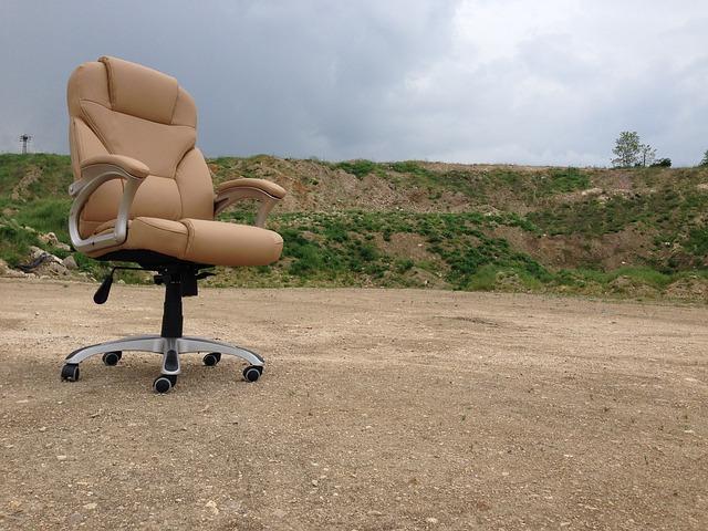 kolečková židle venku