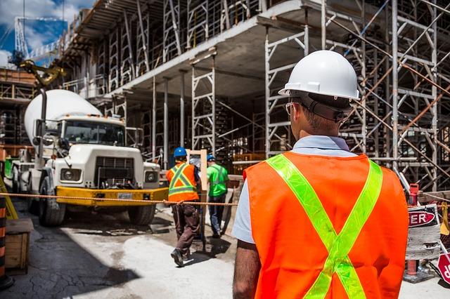 konstrukce na stavbě